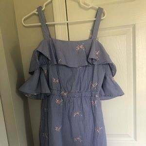 Cute off shoulder dress wore once!